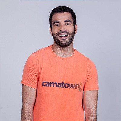Camiseta Estonada Carnatown Laranja Batendo Perna