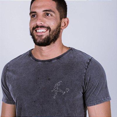 Camiseta Estonada Chutando  o Balde Marmorizada