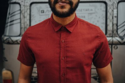 Camisa Linho de Botão Vermelho Terra