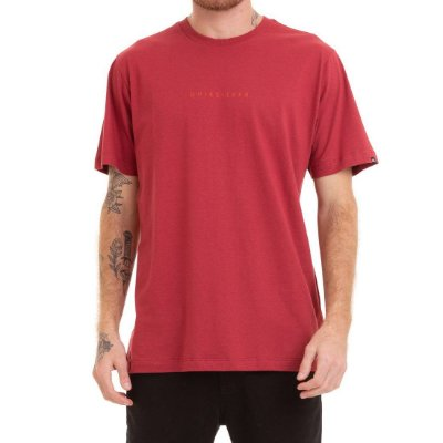 Camiseta Quiksilver Night Tract Vermelha