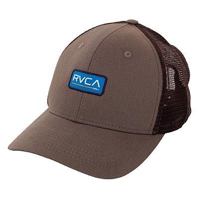 Boné RVCA Aba Curva Ticket Trucker II Marrom