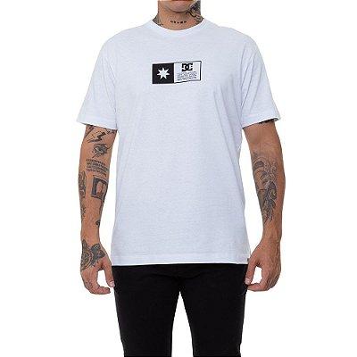 Camiseta DC Shoes Flag Box Masculina Branco