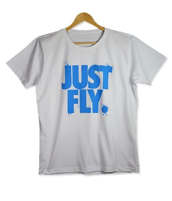 Camiseta Just Fly