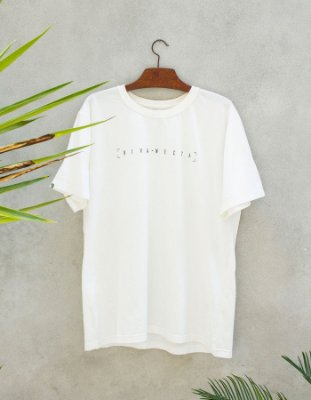 Camiseta Slim-Fit - Viva Necta