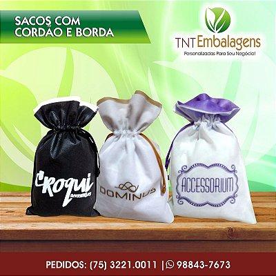 SACOS DE TNT PARA PRESENTE COM CORDÃO E BORDA - (SEM LATERAL) - TNT EMBALAGENS