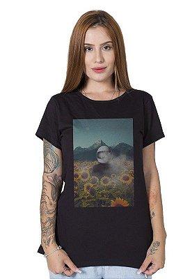 Camiseta Feminina Smoke in the Sunflowers