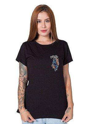 Camiseta Feminina SOS Pantanal Arara Azul