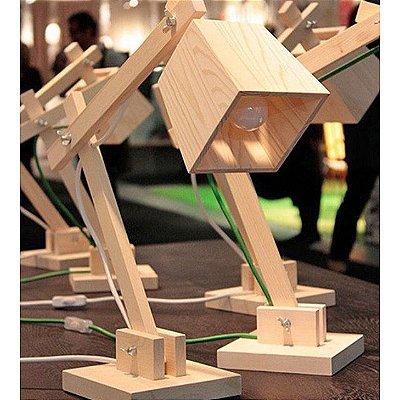 Luminária de mesa paletes