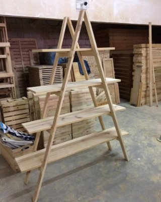 Estante escada de pallet -  venda ou locação