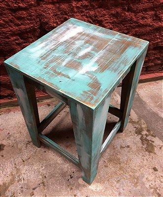 Banqueta alta sem encosto 60x60x60 - pátina de demolição- venda e locação