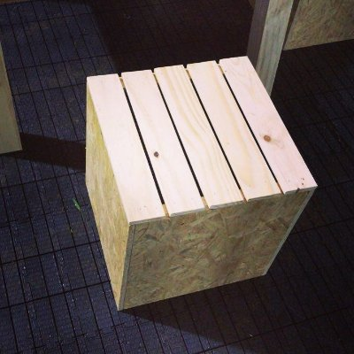 Banco osb + pallet 35x35x35 cm