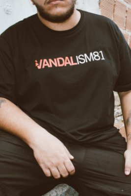 Camisa Masculina Vandalism81 Pornalism Preta
