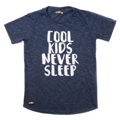 Camiseta Flamê Longline- Never Sleep