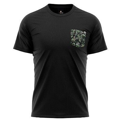 Camiseta Bolso Estampado - Amazônia