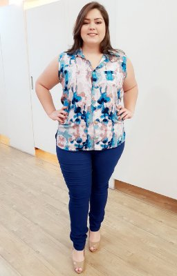 Look Completo Plus Size (Blusa + Calça Azul)