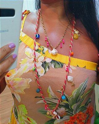 Colar Amuletos Dourado Dress to