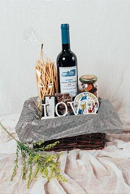 Cesta Vinho e Plaquinha de Madeira