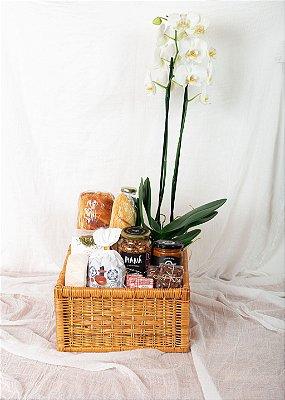 Cesta de Café da Manhã com Chá e Stroopwafel