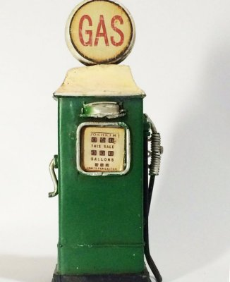 Miniatura Bomba de gasolina verde