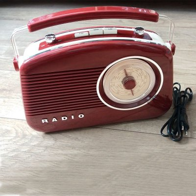 Rádio retrô AM/FM bordô