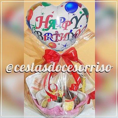 - Cesta de Café da Manhã Regional com Balão Metalizado de Aniversário
