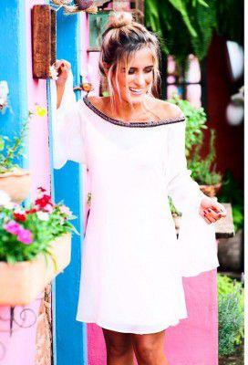 vestido curto bordado crepe