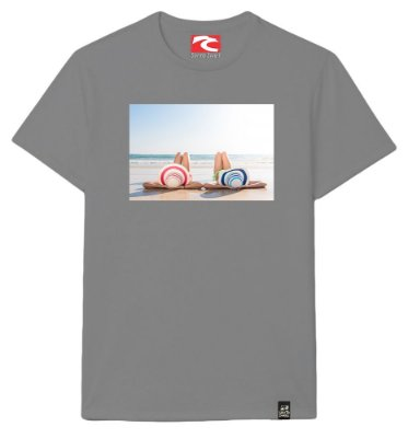 Camiseta Santo Swell Two Girls on the Beach Estampada Manga Curta 4 Cores