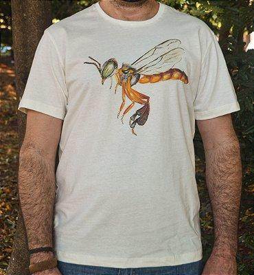 Camiseta Linha Tingimento Natural- Estampa Jataí - Artista: Priscila Fernandes