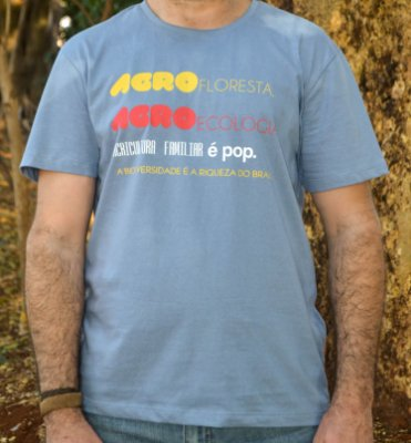 Camiseta Linha Tingimento Natural- Estampa AGROecologia é POP - Artista: Heris Rocha