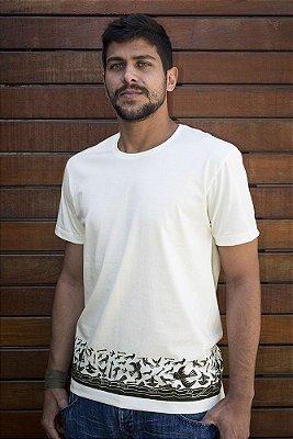 Camiseta Masculina em Algodão Orgânico - Estampa Mar de Pássaros - Artista Perron Ramos