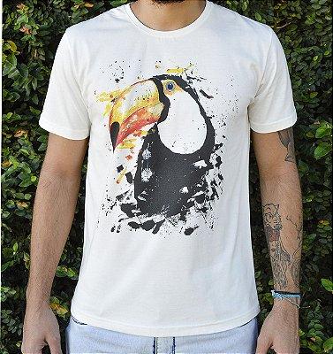 Camiseta Masculina em Algodão Orgânico - Estampa Tucano - Artista Paulo Victor