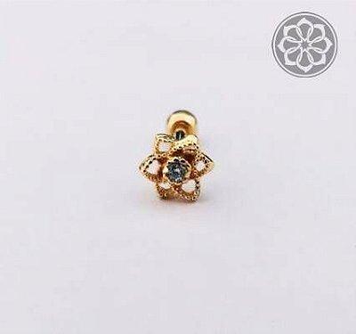 Piercing com Detalhe em Flor - Folheado a Ouro