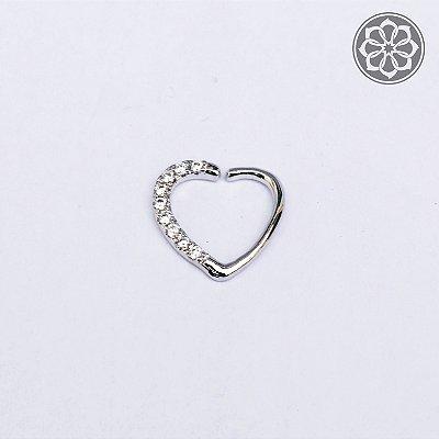 Piercing de Coração Cravejado em Zircônia em Aço