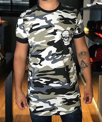 Camiseta Longline Camuflada Caveira - Amazing