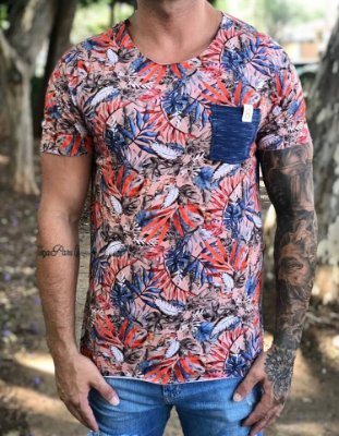 T-shirt Digital Floral Fundo Nude - Booq For Men