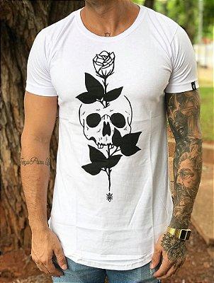 Camiseta Longline Skull Roses White - Riviera Clothing