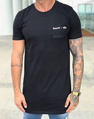 Camiseta Longline ShoeLace Egalité Black - BUH