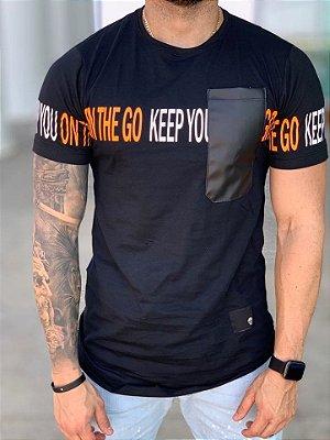 Camiseta Longline Black Bolso - John Jones