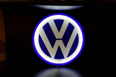 Logomarca VolksWagen em acrílico com LED