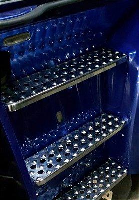 Escada/Estribo Personalizada CHARADA SCANIA 113 em Inox (Conjunto de 6 Peças)