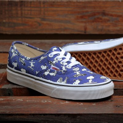 a402cc20e39 TÊNIS VANS AUTHENTIC PEANUTS SNOOP AZUL