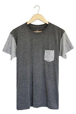 T-Shirt Dög Style com Bolso
