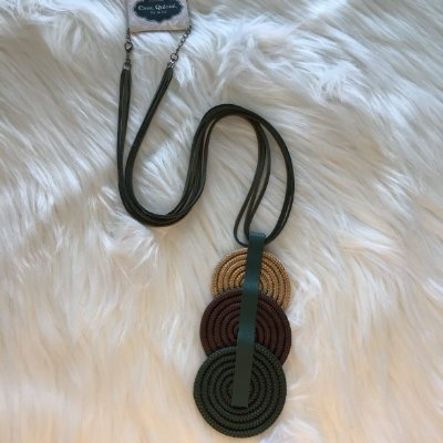 Colar Longo Verde c/ Trio de Círculos