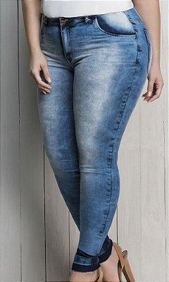 Calça Jeans Skinny com Detalhes na Lavação   017737