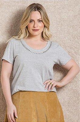 T-Shirt com Detalhe de Termocolantes   224991