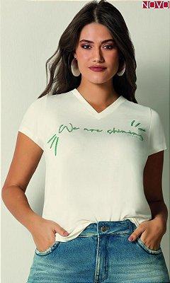 T-Shirt Decote V Estampada com Miçangas    31496