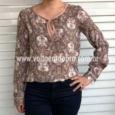 Blusa ML Estampa Secret Rabbit