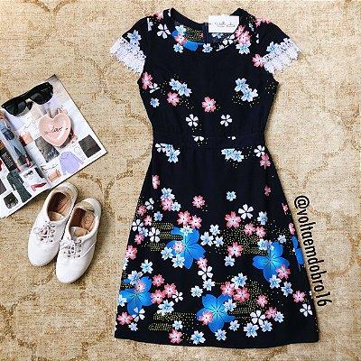 Vestidos Sakuras com Renda