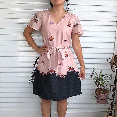 Vestido com Recorte Ponto Palito