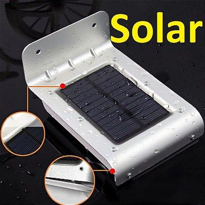 Luminária Solar Externa Parede Jardim De 16 Leds Com Sensor De Movimento